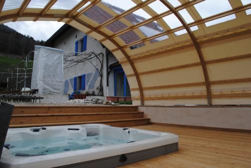 abri-piscine-spa-arketoile-3